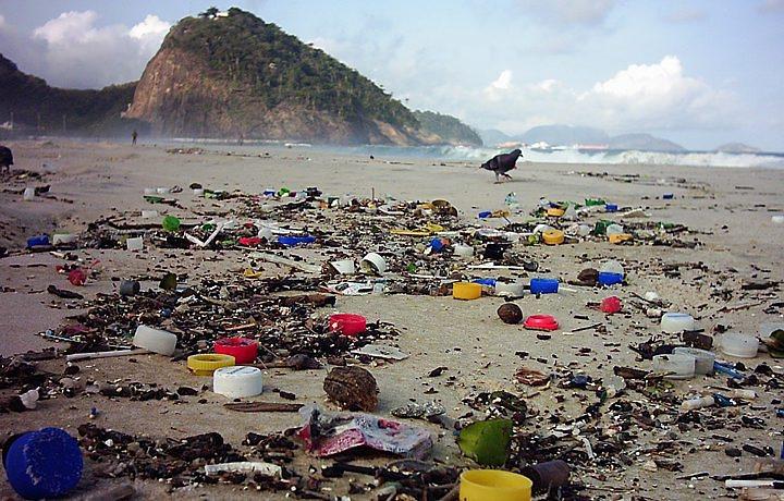 lixo_na_praia