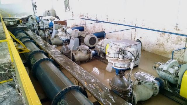 Bombas de sucção da água do rio. Imagem meramenta ilustrativa, não pertence a mesma ETA das imagens abaixo.
