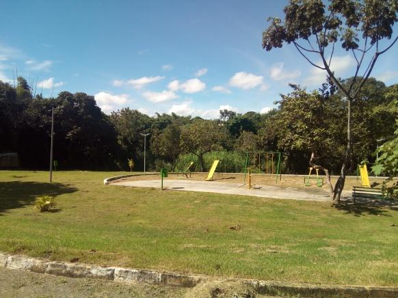 Parque ao lado da nascente do córrego Água Branca